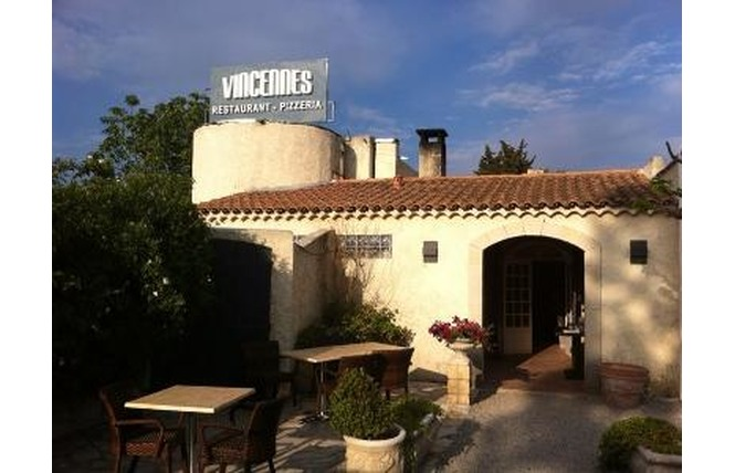 Le Vincennes - à l'ombre des Pins 1 - Salon-de-Provence